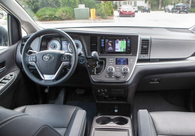20141014_Toyota Camry Preview_1358